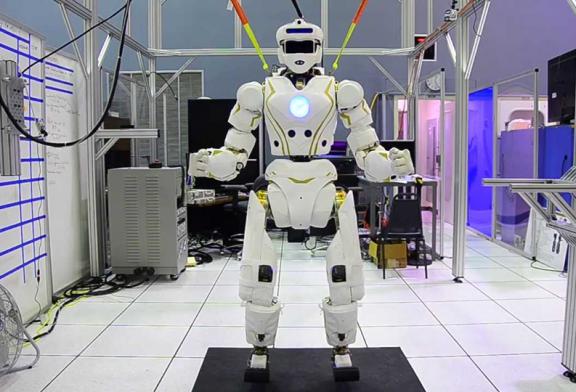 تخلف أمريكا عن روسيا والصين في مجال بناء الجيش الروبوتي وعلم الذكاء الاصطناعي